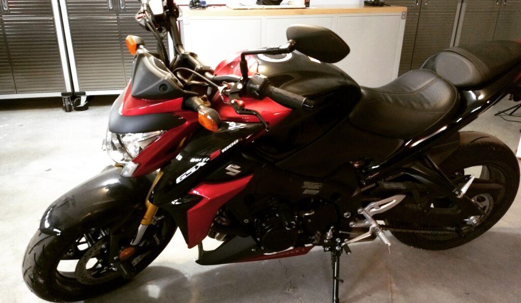 suzuki gsx s1000 motorcycle